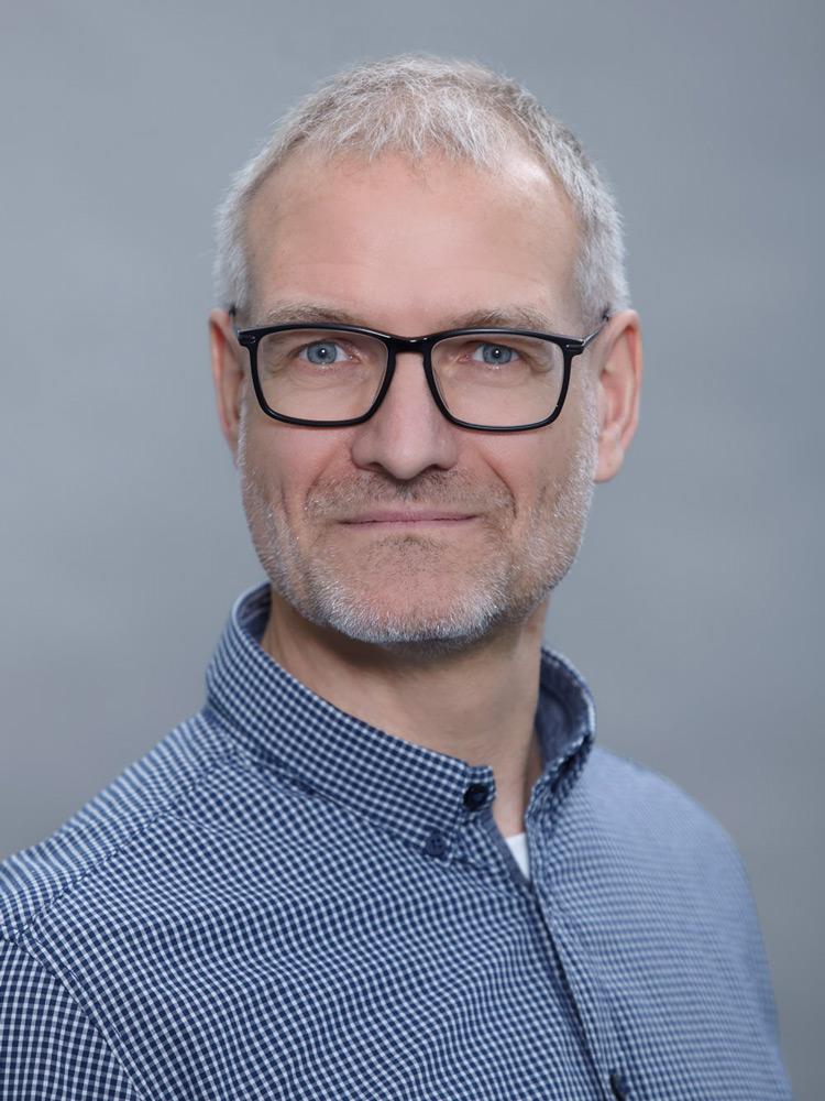 Dr. Gerald Schreiber